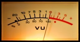 5 Schritte zu besser klingenden Drums - VU-Meter