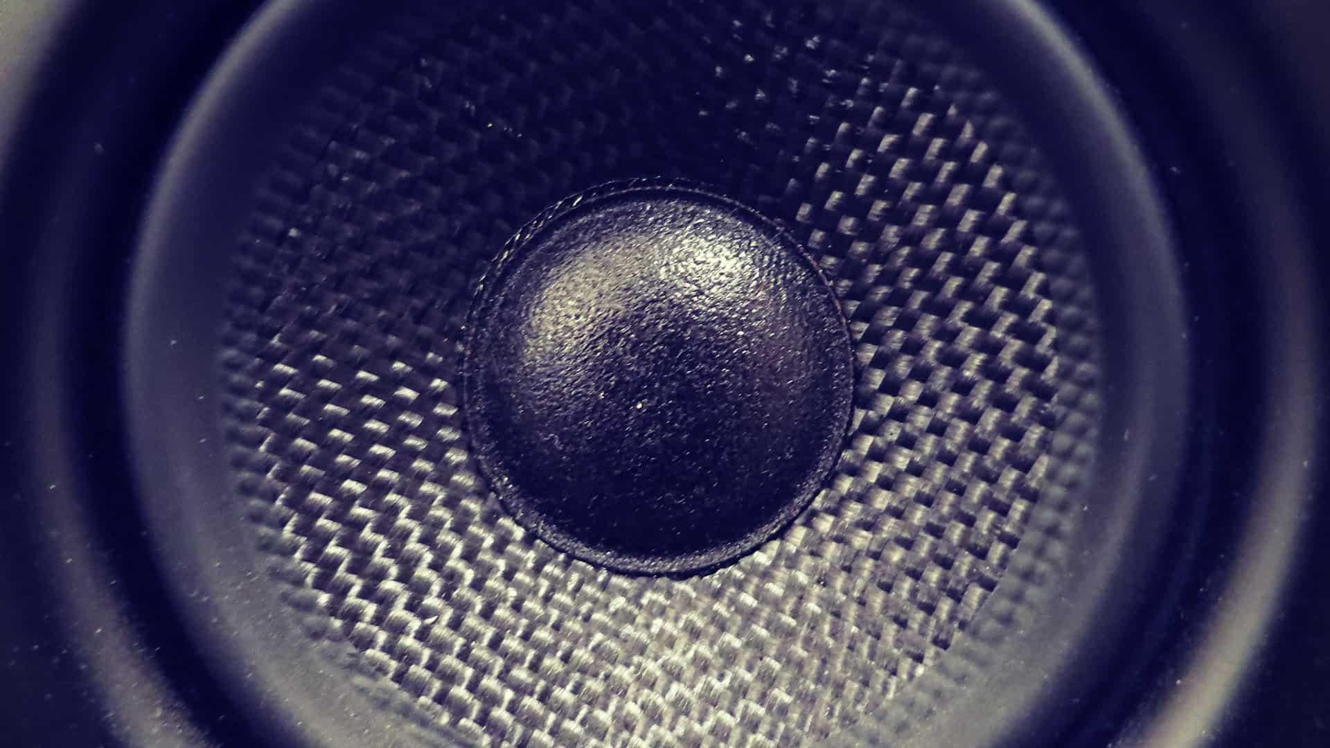 Bass abmischen: 7 Tipps für durchsetzungsfähige Bässe