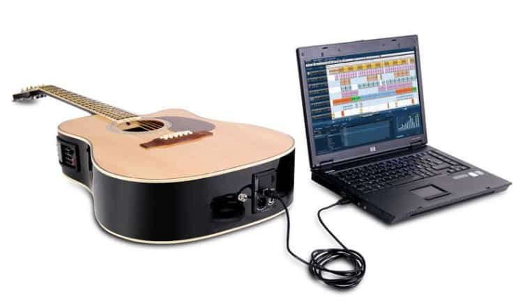 Akustikgitarre mit USB Anschluss
