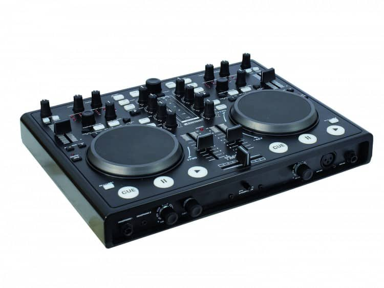 Omnitronic TMC-3 DJ Controller mit integriertem Audio Interface