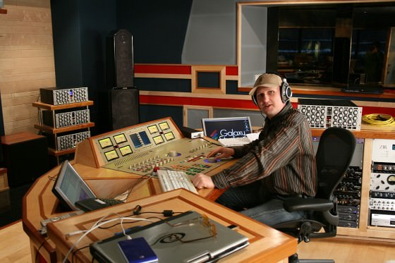 Friedemann Tischmeyer im Galaxy Studio