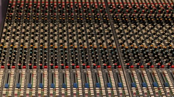 Band Recording - Mischpult - Neve-Konsole des SAE Institute Stuttgart