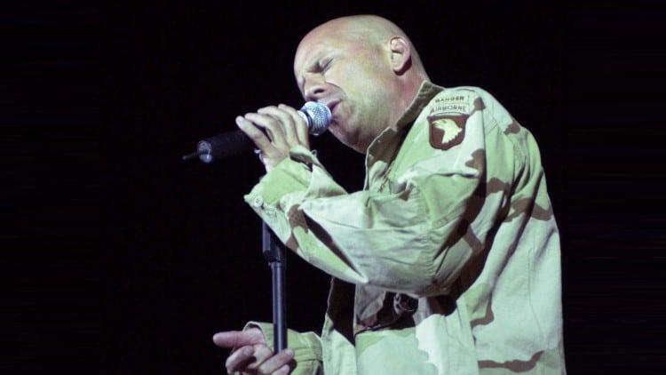Bruce Willis als Sänger