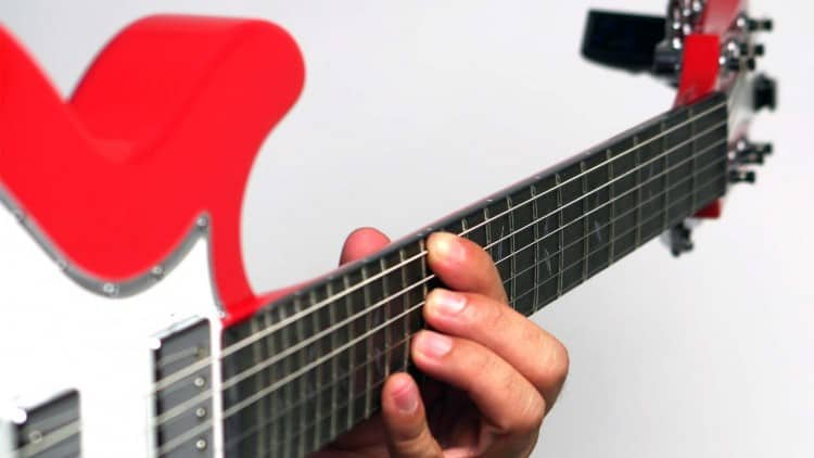 Oktavreinheit einstellen: Tutorial - Finger auf dem 12. Bund