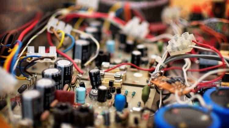 Elektrotechnik in der Musik - Transistoren in einer Endstufe