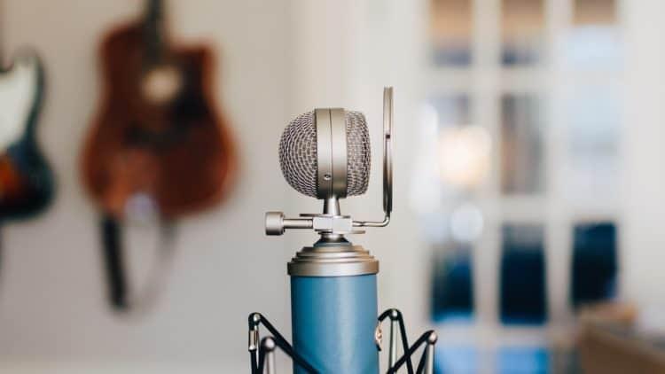 Welches Mikrofon steht auf deinem Schreibtisch?