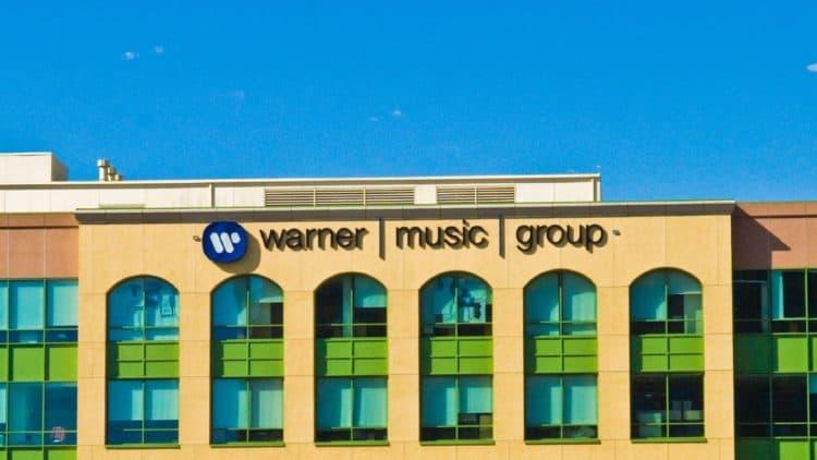 Warner Music bedroht Existenz kleiner Plattenläden