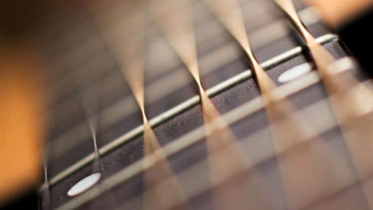Gitarre einstellen