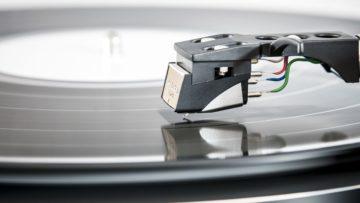 Vinyl überholt die Musikdownloads.