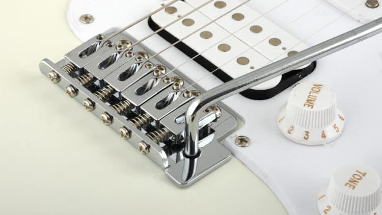Fender Squier Bullet Strat HSS RW Testbericht