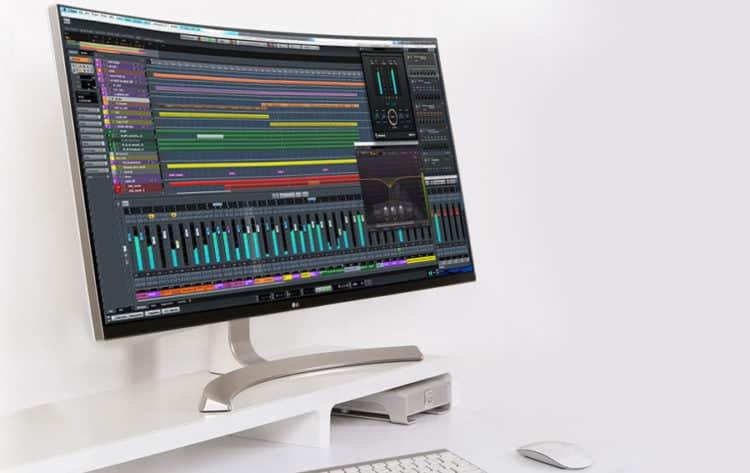 Gekrümmter Bildschirm für Musiker