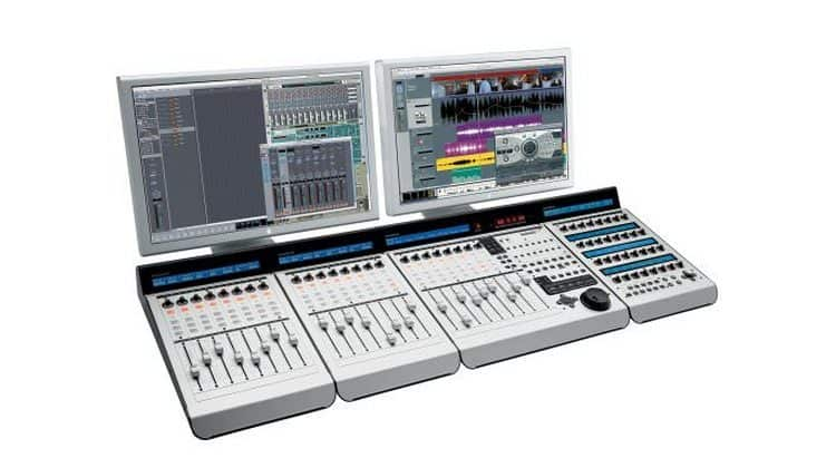 Mackie Control Universal Pro & Mackie C4