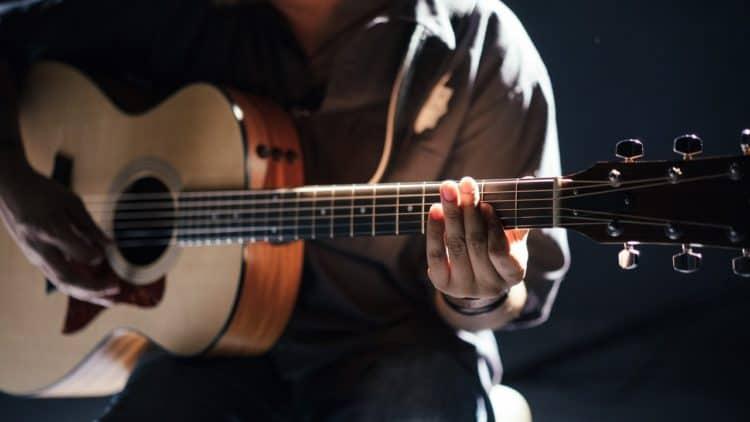 Mikrofonierung: Akustikgitarre