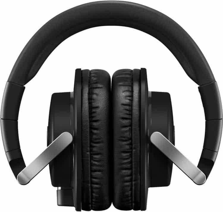 Flexibilität beim Yamaha HPH-MT8 - Dieser Kopfhörer bietet einklappbare Ohrmuscheln