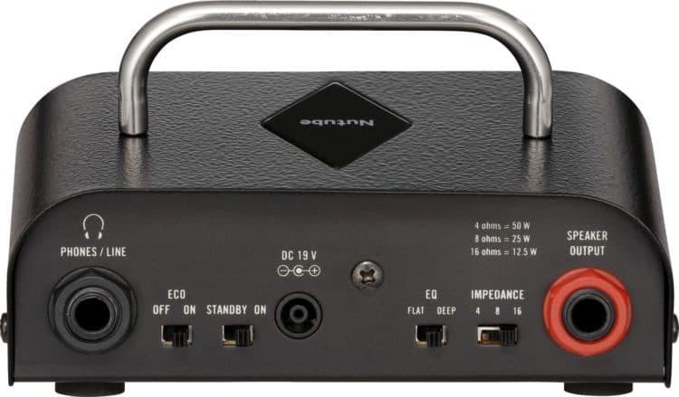 Rückseite des Vox MV50 Rock mit Ausgängen, Impedanzwahlschalter & Co.