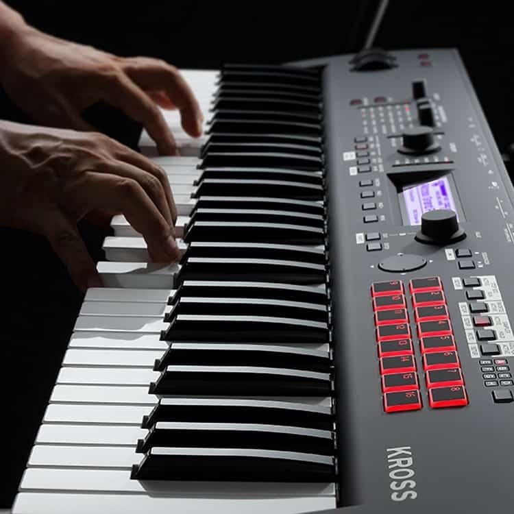 Tastatur, Pads & Co. beim Korg Kross 2