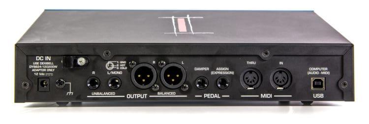 Rückseite & Anschlüsse - Dexibell VIVO SX-7 Testbericht