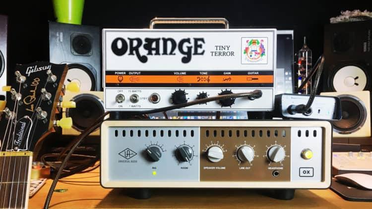 Im Einsatz unterm Gitarrenverstärker - Universal Audio OX Amp Top Box Review