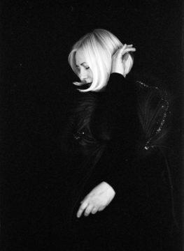 Synthesizer - Katja Ruge Portrait
