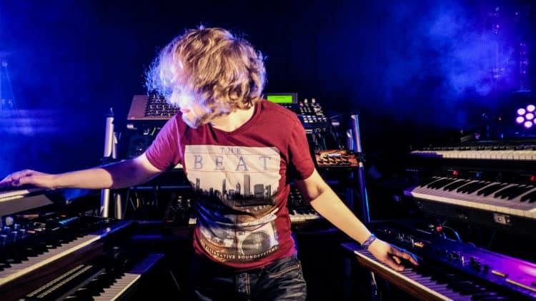 Kebu -Interview Synthesizer