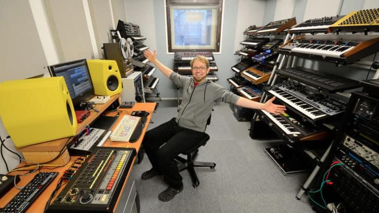 Kebu im Studio - Synthesizer Interview