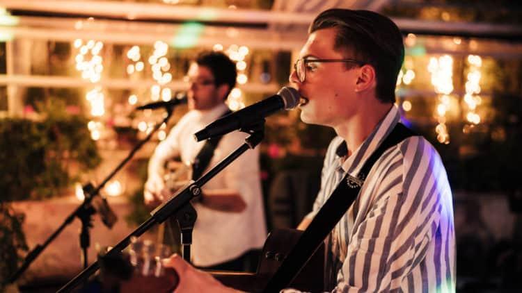 Live-Auftritt Unplugged