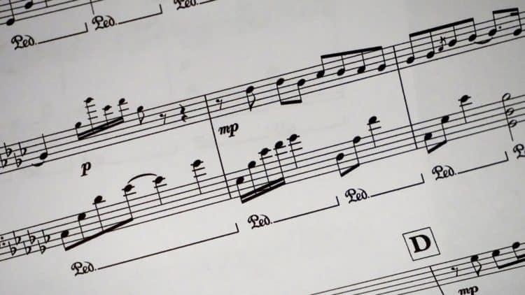Dynamisches Spiel - E-Piano & E-Klavier Guide