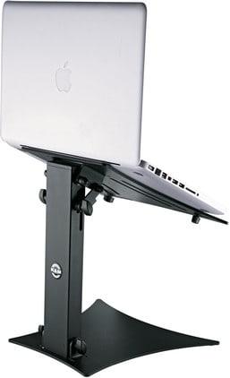 In der Praxis mit geneigter Auflagefläche: König & Meyer Laptop-Ständer 12190