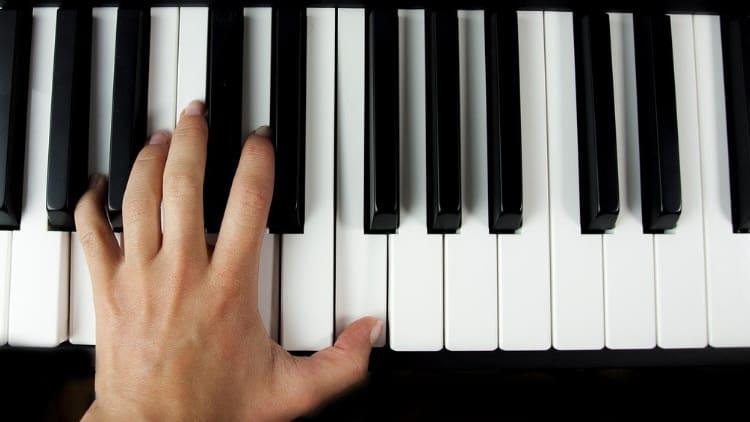 Pianospieler Tasteinstrumente